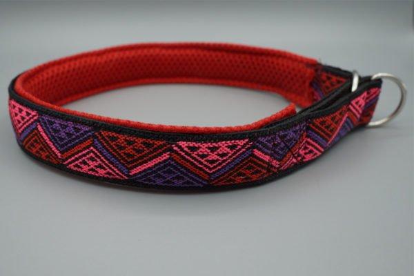 Hundehalsband mit Dreiecken in Rot
