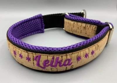 Korkhalsband violett Mesh Schrift 2