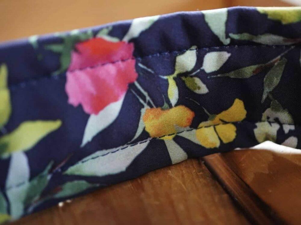 Softshell Halsband mit Blumenmuster